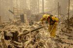 Usa, oltre 30 morti per incendi lungo la costa ovest: colpiti California, Oregon e Washington