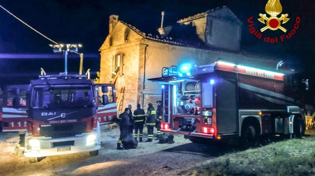 acri, incendio, Cosenza, Calabria, Cronaca