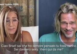 Jennifer Aniston e Brad Pitt, «flirt» in diretta streaming: «Sei davvero carino, vieni da me?» I due attori, 15 anni dopo il divorzio, hanno recitato insieme per un evento di beneficenza - Ansa