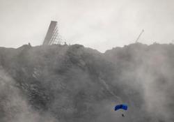 Lo spettacolare stunt di Tom Cruise per Mission Impossible 7 I media norvegesi hanno pubblicato alcune immagini rubate dal set della nuova pellicola - CorriereTV