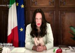 Maurizio Crozza e la nuova imitazione della ministra Azzolina: «A me alla maturità è uscito Covid» Il comico torna in tv nei panni della ministra dell'Istruzione - Corriere Tv
