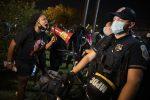 Una protesta dei giorni scorsi contro la polizia