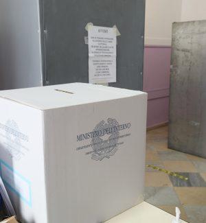 Referendum, affluenza vicina al 30%. Comunali in Calabria: ha votato il 33%
