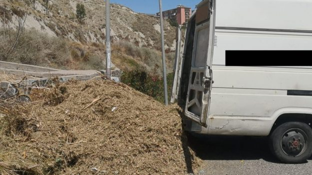 crotone, rifiuti, Catanzaro, Calabria, Cronaca