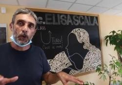 Scuola, un semplice taglio e i banchi diventano monoposto All'istituto Elisa Scala, in zona Casilina, sono stati adattati i vecchi banchi in dotazione - GUAITOLI CLAUDIO