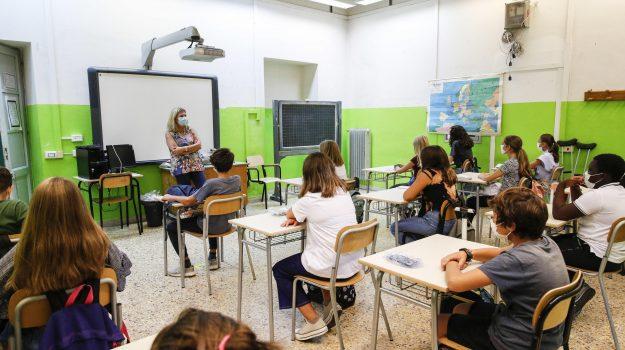 """Covid in Calabria e scuole chiuse, i sindacati: """"Decisione presa senza coinvolgerci"""" - Gazzetta del Sud"""