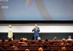 «Si può ricominciare a riaprire le sale e a fare cinema», l'ottimismo di Barbera Parla il direttore della 77esima Mostra del cinema di Venezia - Corriere TV