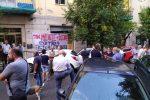Cosenza, sit-in di solidarietà al blogger Michele Santagata dopo l'aggressione