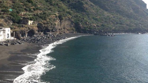 erosione costiera, salina, Messina, Sicilia, Cronaca