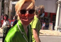 Tilda Swinton a Venezia 77 in pigiama palazzo: «Il Leone d'Oro alla carriera mi rende felice e fiera» L'attrice britannica ha un feeling particolare con l'Italia: «Per me è come essere a casa» - Corriere TV