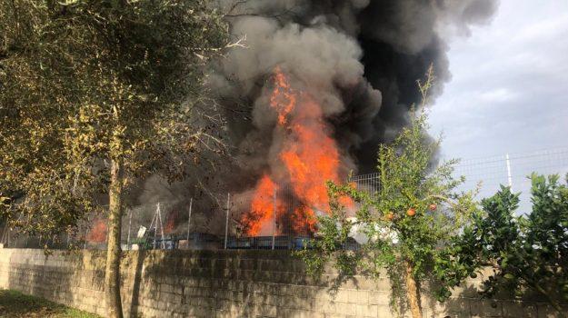 discarica, incendio, Catanzaro, Calabria, Cronaca