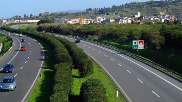 autostrada, barriere, onsorzio per le Autostrade Siciliane, Sicilia, Cronaca