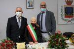 Satriano, i 100 anni di Maddalena Sangiuliano: nonna e madre di sindaci