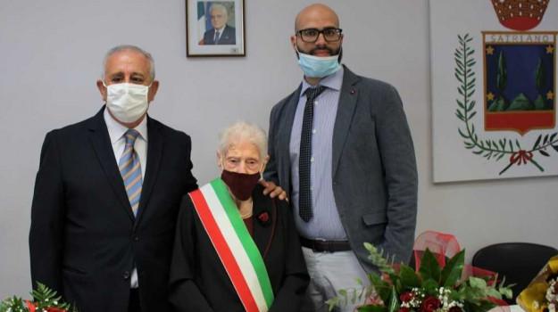 catanzaro, centenaria, satriano, Luciano Battaglia, Maddalena Sangiuliano, Massimiliano Chiaravalloti, Catanzaro, Calabria, Cronaca