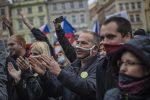 Coronavirus fuori controllo in Repubblica Ceca, scatta il lockdown parziale