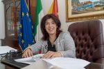 """Sicilia """"plastic free"""", stop a bicchieri e stoviglie di plastica in uffici ed enti regionali"""