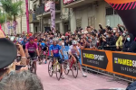 Il Giro d'Italia è in Calabria: Mileto saluta la partenza dei corridori, arrivo a Camigliatello - Video