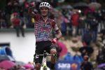 Giro d'Italia, Guerreiro vince sulla salita di Roccaraso: Almeida soffre ma resta leader