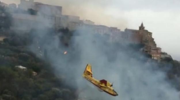 incendi, regione siciliana, statodi emergenza, Nello Musumeci, Sicilia, Cronaca