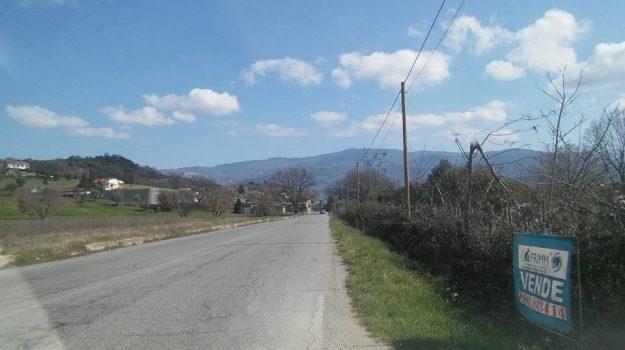 montalto uffugo, recinzione privata, schianto, Cosenza, Calabria, Cronaca