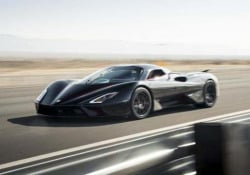 La SSC Tuatara è l'auto più veloce del mondo: 532,8 km/h Ne saranno prodotte solo 100 vetture. Costo: 1,9 milioni di dollari - CorriereTV