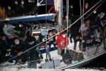 A Crotone barca a vela con 70 migranti: a bordo anche donne e bambini