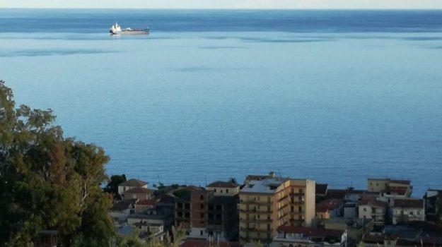 nave mercantile, porto, trebisacce, ustioni, Cosenza, Calabria, Cronaca