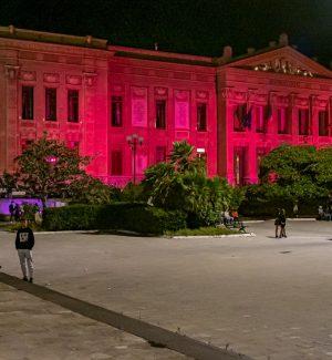Lotta e prevenzione ai tumori, a Messina Palazzo Zanca si illumina di rosa