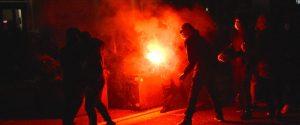 Proteste contro il nuovo dpcm in Sicilia: a Catania lancio bombe carta in via Etnea