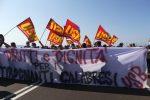 Tirocinanti calabresi, 5 mila precari bloccano la superstrada 280 dei Due Mari
