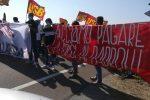 I precari calabresi in protesta a Lamezia, il 9 ottobre incontro a Roma col ministro Provenzano