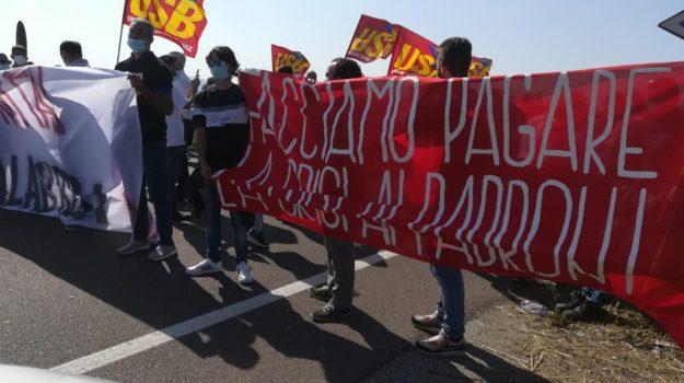 aeroporto lamezia, lavoro, precari, Catanzaro, Calabria, Economia