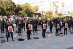 Cuscini e abiti neri, a Messina la protesta dei lavoratori dello spettacolo contro il Dpcm