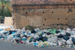 Al via la pulizia straorinaria per rimuovere i cumuli di rifiuti che invadono Reggio