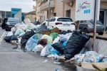 Rifiuti a Vibo, emergenza senza fine: strade sporche e ricoperte di immondizia ed erbacce