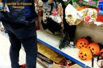 """Addobbi per Halloween e Natale, maxi sequestro a Messina: """"Merce non sicura"""""""