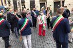 Sit-in a Roma per i sindaci calabresi, una delegazione incontra la Commissione Sanità del Senato