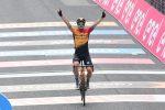 Giro d'Italia, Tratnik vince la 16esima tappa e Almeida difende la maglia rosa