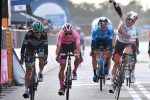 Giro d'Italia, Ulissi vince a Monselice davanti ad Almeida: il portoghese sempre in rosa