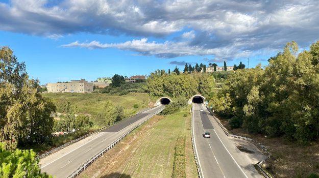 autostrada, palermo-messina, Francesco Restuccia, Salvatore Minaldi, Messina, Sicilia, Economia