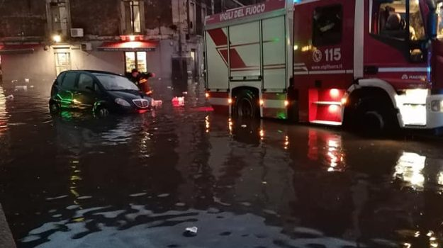 catania, danni, maltempo, tromba d'aria, Sicilia, Cronaca
