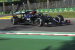 F1, Gp Emilia: ancora pole per Mercedes, Ferrari in forte ritardo