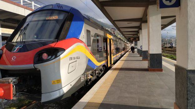 cosenza, treno affollato, Cosenza, Cronaca