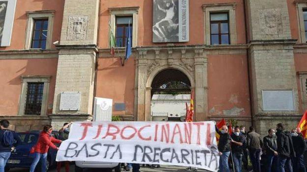 tirocinanti, Calabria, Economia
