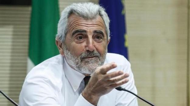 Agostino Miozzo, Sicilia, Politica