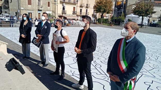altomonte, artista, cosenza, fra!, tela, Elvira Berlingieri, Francesco Caporale, Cosenza, Calabria, Cultura