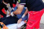 Vibo, 90enne inciampa sul marciapiede e batte la fronte: trasportato in ospedale