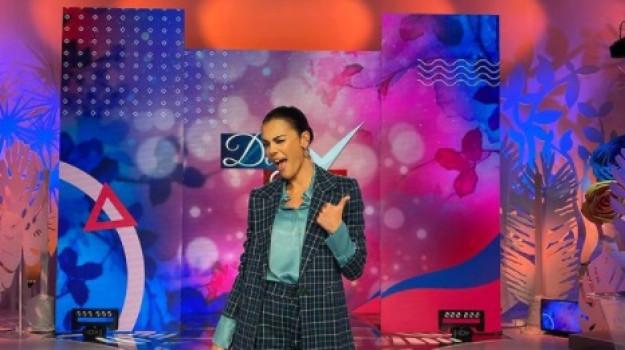 tv, Bianca Guaccero, Sicilia, Società