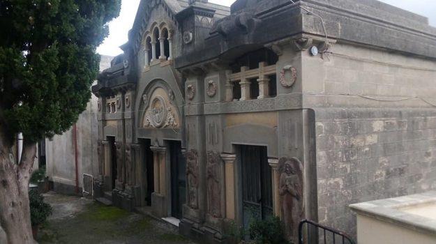 cetraro, cimitero, Cosenza, Calabria, Cronaca