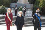 Messina, il prefetto Librizzi depone una corona d'alloro al piedi del Monumento ai Caduti